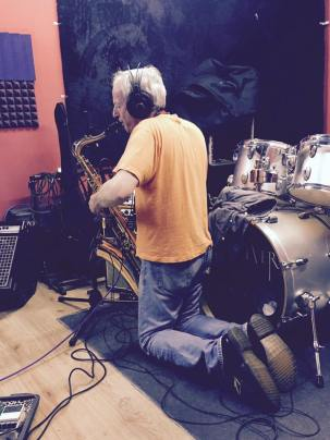 Mike sexing the sax
